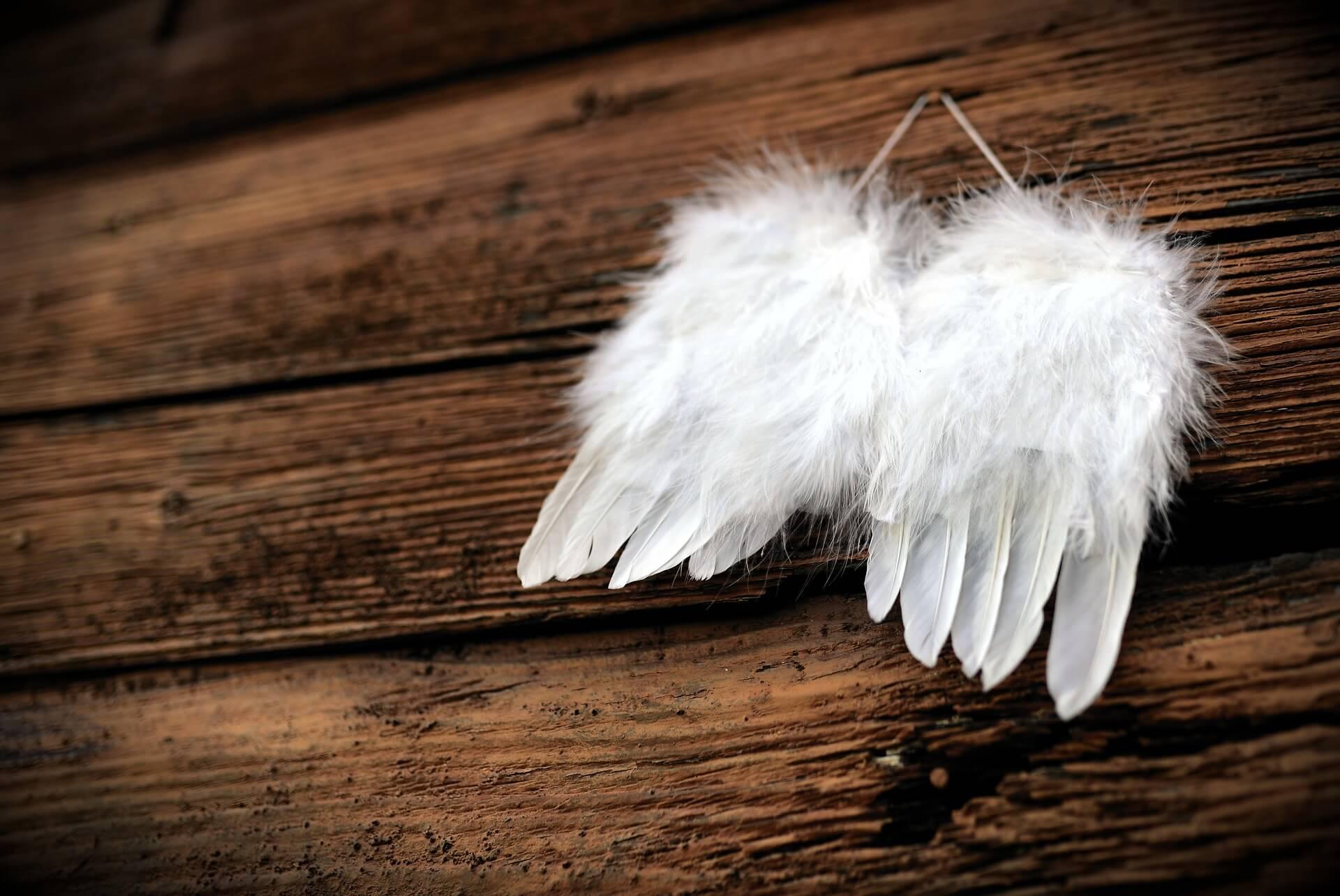 Flügel-engel-Hoffnung-Fehlgeburt-verarbeiten