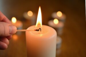 trauerkerzen-fehlgeburt-verarbeiten-blog-gedankenbalsam